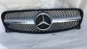Mercedes GLA x156 решетка радиатора Diamond Silver