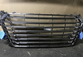 Audi TTS 8S S-line решетка радиатора