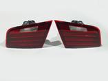 БМВ 5 Ф10 рест комплект фонарей в крышку багажника Hella Original