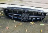 Mercedes w213 решетка радиатора стиль AMG e63 черный глянец