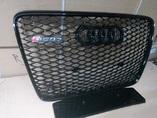 Audi Q7 решетка радиатора черная в стиле RSQ7