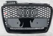 Решетка радиатора Audi A4 B7 RS4 2004-2007